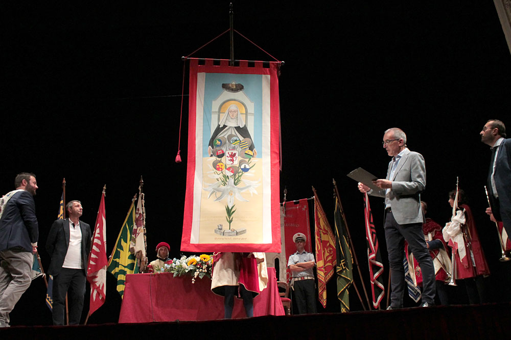 The cloth dedicated to Sant'Agnese was presented